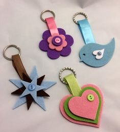 Lumaca Matta - Handmade with love: Portachiavi di feltro Lumaca Matta - Handmade with love: Portachiavi di feltro Foam Crafts, Diy Arts And Crafts, Preschool Crafts, Yarn Crafts, Sewing Crafts, Sewing Projects, Crafts For Kids, Paper Crafts, Felt Keychain