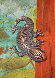 Vintage Lizard Brooch, Stylized, Bronze Tone, Salamander, Gecko, Reptile Pin