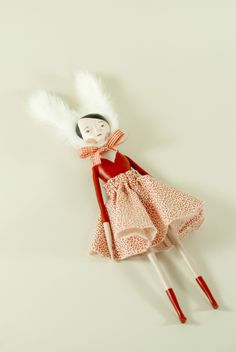 Elsa Mora`s dolls are soooooo beautiful! I want them all! :D http://elsita.typepad.com/dolls-have-feelings-too/page/2/