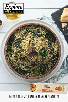 Gluten-free spaghetti recipe made with Explore Cuisine's Edamame Spaghetti. This healthy Aglio e Olio recipe is packed with protein and only takes 10 minutes to make. Kale Recipes, Healthy Pasta Recipes, Easy Dinner Recipes, Aglio E Olio Recipe, Edamame Spaghetti, Spaghetti Recipes, Food Print, Food To Make, Stuffed Peppers