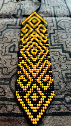 Two Tone Frog of Fertility Bracelet - 22 bead (Colombia) Bead Loom Patterns, Peyote Patterns, Bracelet Patterns, Beading Patterns, Inkle Weaving, Bead Weaving, Seed Bead Jewelry, Beaded Jewelry, Beads Pictures