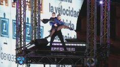 ¡Lo hizo! Mora Godoy bailó tango a 40 metros de altura y batió todos los records