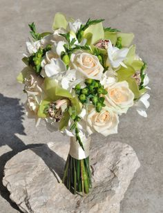 Happy Flowers, Table Decorations, Home Decor, Green, Decoration Home, Room Decor, Home Interior Design, Dinner Table Decorations, Home Decoration