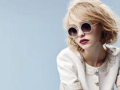 5b2c8319adec4 Filha de Vanessa Paradis e Johnny Depp é a nova embaixadora da Chanel    Moda
