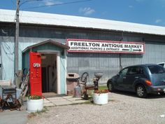 Antiques in Ontario. Top Shops, Markets and Towns. Ontario Travel, Travel Activities, Antique Shops, Day Trips, Trip Planning, Traveling By Yourself, Marketing, Antiques, Canada