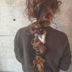 「* * ユルん編みした後は @san_official  クリップを♡ * * 特に三角クリップは はさみやすくてオススメです♡ * * #ユルん編み  #ヘアアレンジ #コーデ #浜松市」