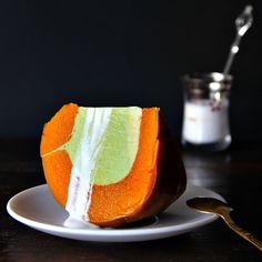 sankaya phak tong (thai steamed kaya pumpkin)
