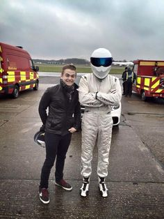 Oh hunter you cute nerd! He's like a little kid who just got a puppy! Hunter met the Stig...;-)