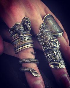 装着‼︎ #sharespirit#coln#snake#skull#armour#corcet