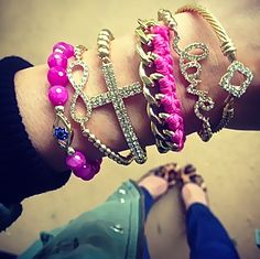 {Only One Left}: Fuchsia Sugar Stack Set $16 Complimentary US Shipping www.popofchic.com