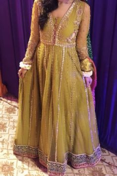 Bridal Mehndi Dresses, Long Frock, Semi Formal Dresses, Modest Wear, Pakistani Outfits, Mehendi, Frocks, Party Wear, Party Dresses