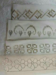 Namaz başörtüsü Bargello, Hand Stitching, Needlepoint, Hand Embroidery, Piercings, Projects To Try, Decorative Boxes, Cross Stitch, Curtains