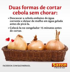No tears onion cutting. Private Chef, Kitchen Hacks, Housewife, Training Tips, Pear, Onion, Buffet, Good Food, Food And Drink