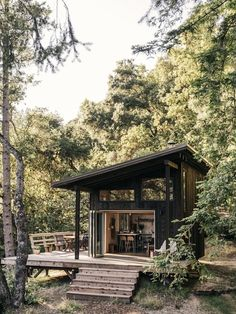 cabin Photo 3 of 19 in This DIY Couple Craft a Tiny Cabin in the Santa Cruz Mountains For Less Than Tiny House Cabin, Tiny House Living, Tiny House Design, Tiny Cabins, Eco Cabin, Prefab Cabins, Best Tiny House, Lake Cabins, Rv Living