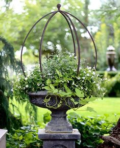 You do not necessarily need to have a cottage just to have a cottage-inspired garden decor. With a help of a few cottage garden decor ideas, you can style Garden Urns, Garden Planters, Bird Bath Planter, Potted Garden, Garden Bar, Diy Garden, Wooden Garden, Potted Plants, Beautiful Flowers Garden