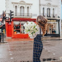 Flowers, tulips,  Notting Hill,  lace, wavy hair