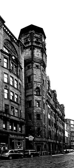 Charles Rennie Mackintosh: The Herald Building Cities In Uk, Charles Rennie Mackintosh, Glasgow School Of Art, Alma Mater, The Good Place, Louvre, City, Building, Places