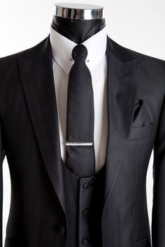 Slim Wedding Suit  - Richmond Silk Black - Close Up