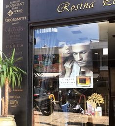 #rosinaperfumery #nicheperfumery #perfumery #perfumes #nicheperfumes #exclusive #unique #scents #giannitsopoulou6 #glyfada #athens #athensriviera #greece #greecetravel #greecelovers #shoppingonline : www.rosinaperfumery.com 🤫❤️