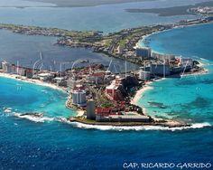 Cancun by Ricardo Gómez Garrido