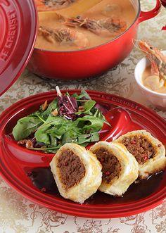 マッシュポテトと挽き肉の相性がぴったり。パーティーにも対応できる、ロール型のミートパイです!