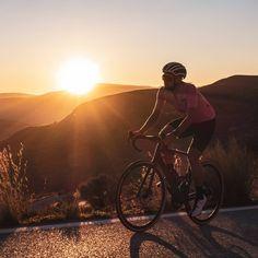 Any sunset will always be a source of wonder for anyone. Rose Moon Jersey + Endurance Black Bib Shorts.  #luxacycling #cyclingshots #roadslikethese #cyclingsunset #cyclingphotos #szosa #kolarstwo #roadcycling #cyclesierranevada Sierra Nevada, Road Cycling, Cycling Outfit, Moon, Sunset, Shorts, Black, Instagram, The Moon