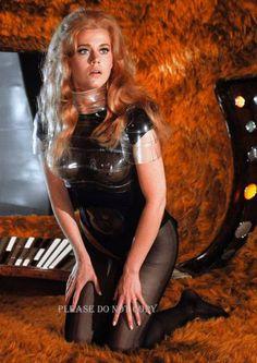Jane Fonda: Barbarella sets trends for Sci-Fi Hollywood Actresses, Actors & Actresses, Jane Fonda Barbarella, Film Science Fiction, Romain Gary, Francois Truffaut, Divas, Photo Star, Space Girl