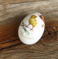 Easter Egg Royal Bayreuth Germany 1974 Porcelain Easter Egg with Chicks and Mother Hen