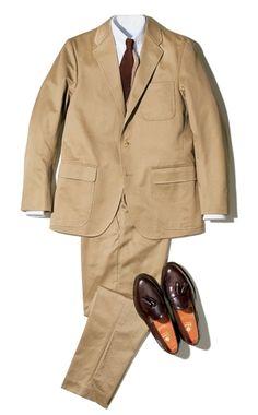 スーツをちゃんと作れるブランドが東京に増えてきた。でも足元は変わらない。オールデンが一番だ。 Blazer Outfits Men, Beige Suits, Ivy League Style, Smart Casual Men, Ivy Style, Mens Style Guide, Summer Suits, Well Dressed Men, Gentleman Style