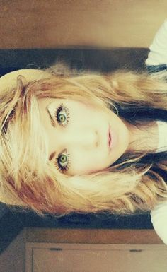 She's so pretty!!!! And I wish I could do that with my hair! My hairs so plain :/