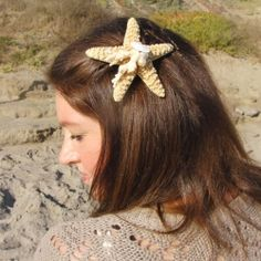 An easy tutorial for a unique and beautiful summer hair accessory.