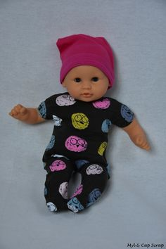 Caps: Pajamas for child doll …. Child Doll, Baby Dolls, Kids Outfits, Cool Outfits, Baby Couture, Baby Alive, Doll Patterns, Diy For Kids, Doll Clothes