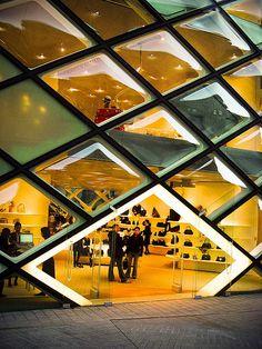 Entrance to Prada building in the Omotesando neighborhood in Tokyo, Japan / Architects: Herzog & De Meuron