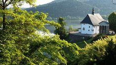 Z biegiem Dunajca- Jeziora Czchowskie i Rożnowskie - Polish Mountains, Palazzo, Cabin, House Styles, Nature, Travel, Viajes, Cabins, Traveling