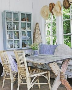 """Jackie Riley Foster on Instagram: """"What a quaint little NOOK to have coffee and plan a Saturday! #picnicstyletable #bench #pillows #bamboochairs #glasspanedcabinet #sunhats…"""""""