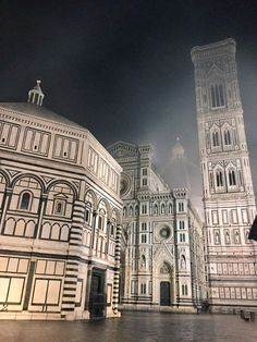 A Foggy Mist Over Brunelleschi's Duomo | Photo credit: Georgette Jupe, Girl In Florence Blog