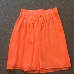 Forever 21 Skirt Fits at waist, pink, hits between mid-thigh and kneecap Forever 21 Skirts Midi