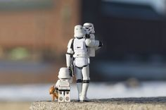 LEGO Stormtrooper family day out Lego Star Wars, Star Trek, Lego Krieg, Legos, Lego Poster, The Force Is Strong, Love Stars, Geek Out, Happy Fathers Day