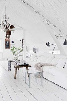 Vintage scandi: white attic living room. Via c o z y
