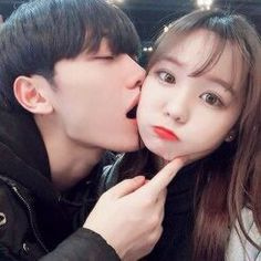 Find images and videos about cute, style and couple on We Heart It - the app to get lost in what you love. Korean Ulzzang, Ulzzang Boy, Cute Couples Goals, Couples In Love, Cute Korean, Korean Girl, Wattpad, Couple Goals Tumblr, Boy And Girl Friendship