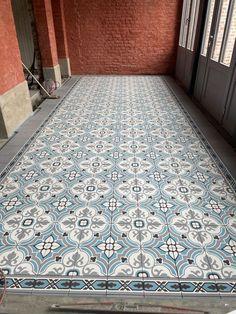 Hall (client installation) with David & Goliath cement tiles Nadia 20x20cm & Dina Blue Frise 20x10cm David And Goliath, Cement, Tiles, Blue, Room Tiles, Tile, Backsplash, Concrete
