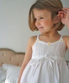 Girls White Dress, Little Girl Dresses, Flower Girl Dresses, Cotton Frocks For Kids, Frocks For Girls, Preppy Baby Girl, Kids Dress Collection, Kids Summer Dresses, Night Dress For Women