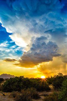 Arizona Monsoons: Rays of Drama