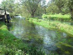 田舎の風景 安曇野の小川