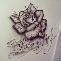 Lettrage Chicano, Chicano Art Tattoos, Skull Tattoos, Rose Tattoos, Flower Tattoos, Body Art Tattoos, 3 Roses Tattoo, Music Tattoo Designs, Tattoo Design Drawings