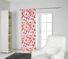 """""""Fertigvorhang mit bunten Blüten. Der Vorhang stellt einen echten Hingucker an Ihrem Fenster dar. Material: 100% Polyester Größe: 135x245 cm"""""""