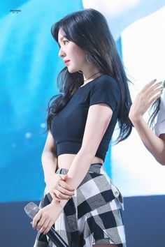 HD kpop pictures and gifs. Get Skinny Legs, Red Velvet Irene, Velvet Fashion, Korean Celebrities, Seulgi, Ulzzang Girl, Swagg, Girl Crushes, Kpop Girls