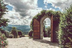 Italian Wedding Photographer Tuscany Wedding  Borgo Corsignano Poppi Arezzo #nicolatonolini #tuscanywedding #tuscanyweddingphotographer #italianphotographer #destinationwedding #countrychic #arezzowedding #tuscanyweddingphotographer #borgocorsignano