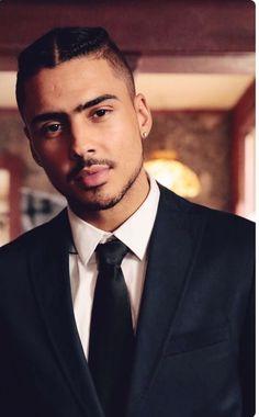 Quincy is so fine. Fine Black Men, Handsome Black Men, Black Boys, Fine Men, Black Is Beautiful, Gorgeous Men, Quincy Brown, Rapper, Fine Boys
