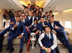 Cristiano Ronaldo & his Portugal mates pose inside his private jet after EURO 2016 win Portugal Team, Portugal National Team, Portugal Soccer, France Portugal, Messi, Portugal Euro 2016, List Of Awards, Cristiano Ronaldo Junior, We Are The Champions